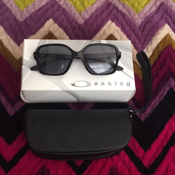 488b259434 NWB Oakley Proxy Women s Sunglasses 😎